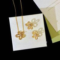 Van 2021 Exquisite Diamanten 4 / Vier Blattklee Camellia Armband OhrringNecklace Set Anhänger Schlüsselbeinkette 18k Gold Mode für Womengirls Hochzeit Schmuck Geschenk