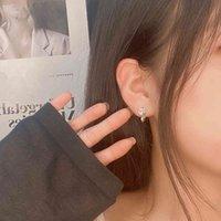 Brincos líquido vermelho vento pequeno fresco e versátil zircon fox temperamento 925 sier agulha feminina feminina moda coreana