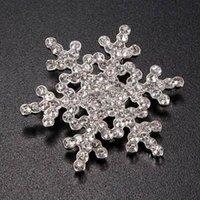 Pins, broscher Kvinnors Luxury Snowflake Sparkling Brosch Pin Elegant Crystal och Fahsion Rhinestone Bröllop Bröllop Smycken för tjejer