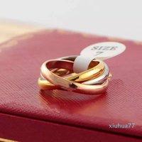 2021 تصميم الأزياء ثلاثة لون حلقة مزيج خواتم الرجال النساء زوجين الدائري 316l الفولاذ المقاوم للصدأ لا تتلاشى الحب الذهب خواتم مجوهرات عالية الجودة