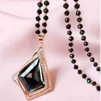 Version coréenne Paon Long Retro Crystal Opal Collier Bijoux Inlaid de Pendentif Animal Diamond Fabricant Grossiste