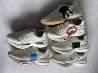 2021 여성 Rhyton Sneaker 남성 디자이너 플랫폼 신발 레드 그린 스트라이프 멀티 컬러 스 니 커 즈 가죽 러너 트레이너 캐주얼 신발 319와 함께 최고 품질