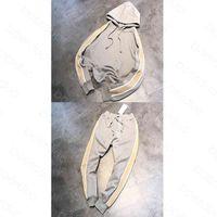 Homens Tracksuits Esportes Terno Classic Letras Tops e Calças Cinzentas Com Capuz Pulôver Suéter + Sweatpants Mola Outono Outdoor Lazer Home M-XL Contacte-me para mais detalhes