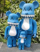 Más vendidos 1000% 70 cm 5 cm y 28 cm Bearbrick Evade Glue White Pink Pink and Blue Osal Figuras de juguete para coleccionistas Sé @ Rbrick Art Work Trabajo Decoración Regalo