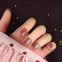 False Nails 24pcs box Handwork Potherapy Wearable Fingernail Translucent Star Sequins Sparkly Powder Short Full Cover Fake Nail With Glue