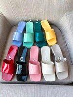 2021 Jöle Yüksek Topuklu Plaj Sandalet Terlik Yaz Tasarımcı Kadın Ayakkabı Coarser Topuk Terlikleri 100% Patent Deri Bayan Yarım Terlik Metal