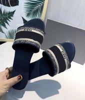 Dior slippers 2021 Mujeres de alta calidad para mujer Slipper Flor Floral Designers Diapositivas Bronco Talón Brocade Flip Flozs Sandalia Mujer Sandalias Zapatos de Playa de Cuero