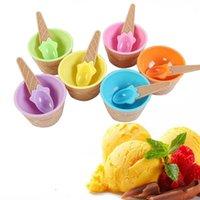 Ciotola di gelato a colori del fumetto con il cucchiaio di plastica di plastica di plastica comodo comodo comodo complementare le ciotole di stoviglie