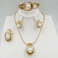 NWE Dubai Мода Очаровательные женские Ювелирные Изделия Уборки Роскошные Кристалл Белое Жемчужное Ожерелье Браслет Свадебные Аксессуары