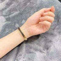Moda jóias mulheres designer braceletes com letras de alta qualidade pulseira pulseira para homens mulher presentes de casamento 8 estilos opcionais com caixa