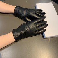 Casual Women Leather Gloves Cashmere Lining Warm Mittens Letter Embroidery Glove Ladies Winter Drive Outdoor Mitten