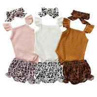 Giyim Setleri 3 adet Bebek Yaz Kıyafetler, Saf Renk Fırfır Kollu Bodysuit + Leopar Baskı Şort + Toddler Kızlar için Hairband, 0-18 Ay
