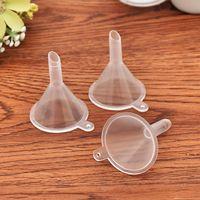 مصغرة البلاستيك القمعات الصغيرة عطر السائل الضروري النفط ملء شفافة قمع المطبخ بار أداة الطعام HWA4965