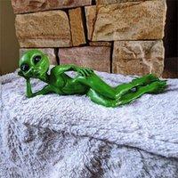 Novelty Items Alien Garden Resin Statue Meditating Art Sculpture Ornament Indoor Outdoor Decoration Extraterrestrial Decor
