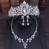 Ensembles de bijoux de mariage Couronne Couronne Tiara Fleur Strass Strasstal Neckalce et boucles d'oreilles pour mariée