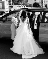 Classic Design Wedding Dresses Bridal Gowns Big Bow Back Deep V Neck Sleeveless Satin Tulle A Line Vestidos De Noiva Customized Princess 2022