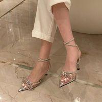 Yaz Tatlı Kadınlar Düşük Yüksek Topuk Şeffaf Sandalet Lüks Tasarımcı Kelebek Knot Külkedisi Kristal Düğün Parti Ayakkabı Elbise