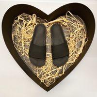 Sandalias Luxurys Designers Marca de zapatos Calzado de verano Diseñador Mujeres Hombres Slight Pointed Toe Sandal Sandal Slingback Pumps 35-46