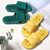 2020 verano antiadherente baño zapatillas mujeres hueco agua fugas zapatos de secado rápido hogar cómodo suave pareja baño zapatillas 36 44 botas de piel cristal slippe 562Z #