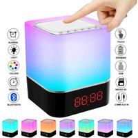 LED Touch Night Light Bluetooth Lampe de haut-parleur Bluetooth portable Sans fil sans fil USB Rechargeable Table de chevet Lampe Réveil