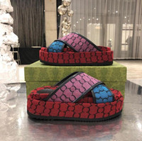 2021 Classic Women Platform Slippers Sandals Slides Bordado algodón Party Party Beach Slipper 5CM zapatos de diseñador plano con caja