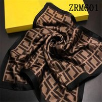 2021 Top Designer donna sciarpa di seta lettera lettera fascia marchio marca piccola sciarpa collaborable foodscarf accessori regalo