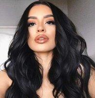 Natural Color Negro Cuerpo Peluca Sintética Simulación Pelucas para el cabello humano para las mujeres Teñido de punto medio gradual Golden Golden Big Wave Largos pelos rizados J29