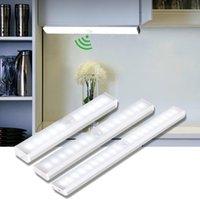 Luzes da noite Sensor de movimento LED USB Lâmpada de parede recarregável para cozinha armário armário escadaria sala corredor corredor