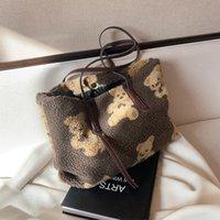 Gift Luxuryflash HBP Designers Tote Bag Kawaii Plush Bear For Shoulder Ladies Handbags Fashion Women Casual Bags White Cute New Kid Sis Xexw
