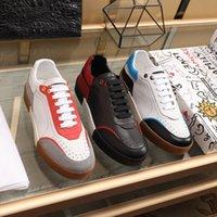 رائعة الفاخرة أحذية المشي عارضة مريحة جلد الغنم داخل أبيض وأسود الأحمر عداء الرياضة الأحذية الحجم 38-44 menwomens المدربين في الهواء الطلق