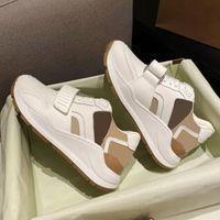 Nouveaux chaussures décontractées Vérifier les concepteurs Sneakers Beige Vintage Entraîneurs En Cuir Suisse Hommes Femmes Surdimensemantes Plateforme Chaussures Taille 35-45 avec encadré 281