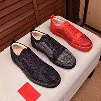 Bottoms rosso di alta qualità Uomo Donne Designer Scarpe in pelle Mocassini in pelle Sneakers di lusso Mens Scarpa Rivet Cowhide Casual Golden Gomma Suole Dimensioni 35-46 con scatola