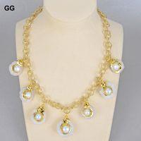 ジュエリーユニークな花のネックレスの自然な白い真珠の石英のスライスドゥルジーゴールドカラーメッキチェーンチョーカーの女性チェーン