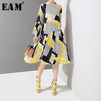[EAM] Spring Autumn Stand Collar Long Flare Sleeve Pattern Striped Printed Pleated Loose Dres Fashion JO585 210915