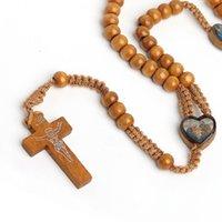 Joyería hecha a mano al por mayor Madera natural Mano tejida de madera Perlas de madera Jerusalén Católica Católica Joyería Cruz Cross Jesus Beads Collar