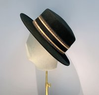 واسعة شقة بريم الصوف مقامر قبعة لحم الخنزير فريضة فيدورا القبعات السوداء الغربية كاب الرجعية بنما القبعات أزياء قبعات لفصل الشتاء