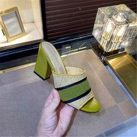 [Con caja] 2021 moda verano para mujer tacones altos zapatillas sandalias a rayas señoras casas desgastadas bloque tacón sandalia al aire libre compras letras zapatillas tamaño 35-40