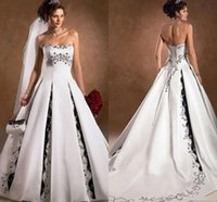 Vintage Design White and Black Wedding Dresses Strapless Beaded Embriodery Satin lace-up corset country Bridal Gowns plus size