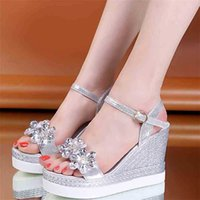 Lucyever Crystal Flower Platform Sandal Summer Moda Ankle Strap Wedge Sandalias Mujer Gold Silver Party Shoes 210619