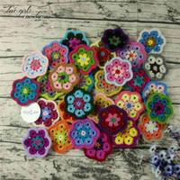 Décoration Crochet Doilies Tapis à la main Tampon à la main Multicolor Fleurs Cousseleurs Tapis ronds Tapis de laine 8cm Patch Vêtements 30 pcs / 210907