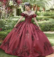 2021 Princess Sexy Burgundy Quinceanera Ball Gown Dresses Sequined Lace Sweetheart Off Shoulder Sweet 16 Satin Party Evening Prom Dress Corset Back Sweep Train