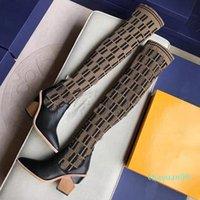 Роскошь 2021 Открытый Сексуальная Мода Женская 22 дюйма Трикотажные Носки Сапоги 9.5 см Бедра Высокий Дышащий Эластичный Заостренный Новый КОРОТКА 30520