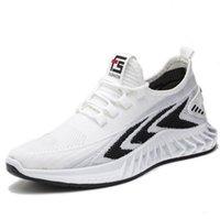 Sapatos simples das meias dos homens brancos calçados de malha malha respirável homens tênis dos homens de borracha resistente ao ar livre sapatos casuais preto Lace-up Sandshoe