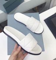 Zapatillas para mujer Moda Sandalias de verano Scoffs Playa Diapositivas Ocio Zapatillas de ocio Sandali Baño Casa zapatos de moda Oficina Sandalia WTIH Orignal Box
