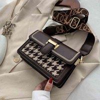 النساء الفضلات مصمم حقيبة ساخنة فريدة من نوعها تصميم الرجعية الصوفية ساحة أنيقة الكتف رسول عرض 20.5 سنتيمتر ارتفاع 15CM سمك 8CM