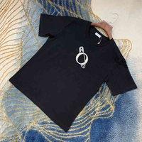 Mans مصمم الربيع الصيف التطريز دبوس رسائل المحملة تي شيرت الأزياء هوديس الرجال النساء عارضة القمصان القمصان الأسود