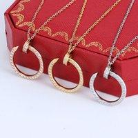 Aço inoxidável moda clássico prego pingente colares em forma de C e mulheres casais Party diamond jóias para enviar amante não desaparecer