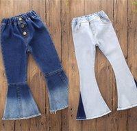 Nuovo infantile del figlio bambini neonate denim bell-bottom pantaloni lunghi Hit colori gamba larga Jeans 700 X2