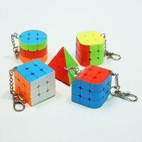 2x2 3x3 Triângl Hera Coluna 3x3 Cubo Mágico Chaveiros Puzzle Brinquedo Velocidade Cubo Puzzle Cubo Chaveiro Brinquedo Educativo para Crianças Presente