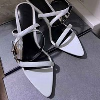 Sandalias 2021 mujeres zapatillas de playa cúspes zapatos de tacón alto clásico estilo plano mujer verano dama dibujos animados gran cabeza cuero moda sandalia superior calidad